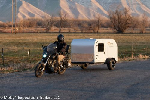roulotte camping moto